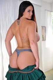 Allison Tyler Shows Her Ass-08