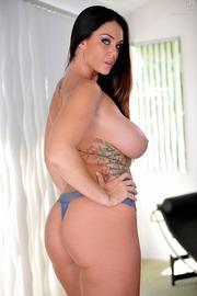 Allison Tyler Shows Her Ass-09