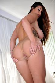 Allison Tyler Shows Her Ass-12