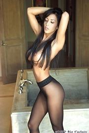 Linda Oneil In Black Pantyhose-00