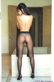 Linda Oneil In Black Pantyhose-12