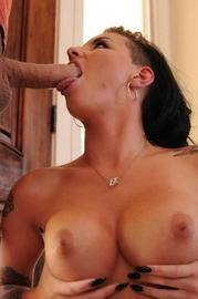 Christy Mack Has Her Pussy Pounded By A Big Cock-01