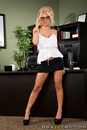 Office Milf Kayla Kayden Going Nasty-00