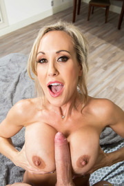 Brandi Love Stunning MILF Gets Drilled On The Couch-03
