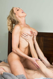 Brandi Love Stunning MILF Gets Drilled On The Couch-14
