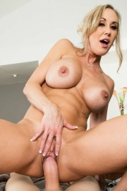 Brandi Love Stunning MILF Gets Drilled On The Couch-16