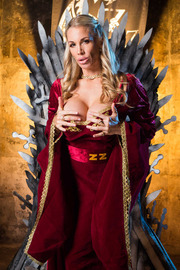 Queen Of Thrones: Part 4 (A XXX Parody)-01