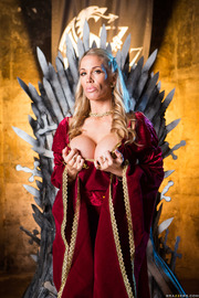 Queen Of Thrones: Part 4 (A XXX Parody)-03