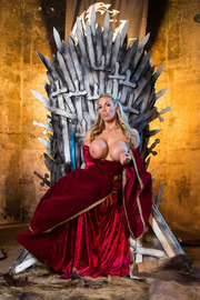 Queen Of Thrones: Part 4 (A XXX Parody)-04