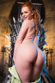 Queen Of Thrones: Part 4 (A XXX Parody)-07