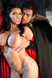 Queen Of Thrones: Part 2 (A XXX Parody)-04