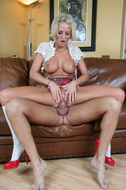 Brooke Belle and her wet pussy-05