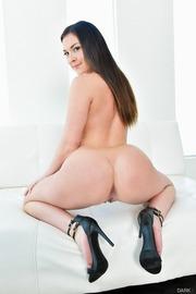Brittany Shae Round Ass-09