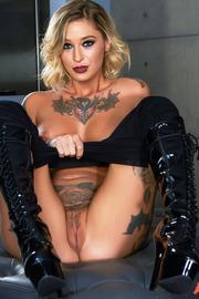 Tattooed Beauty Kleio Valentien-11