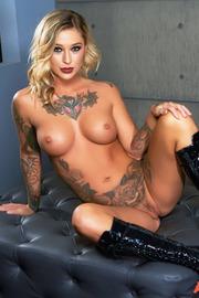 Tattooed Beauty Kleio Valentien-15