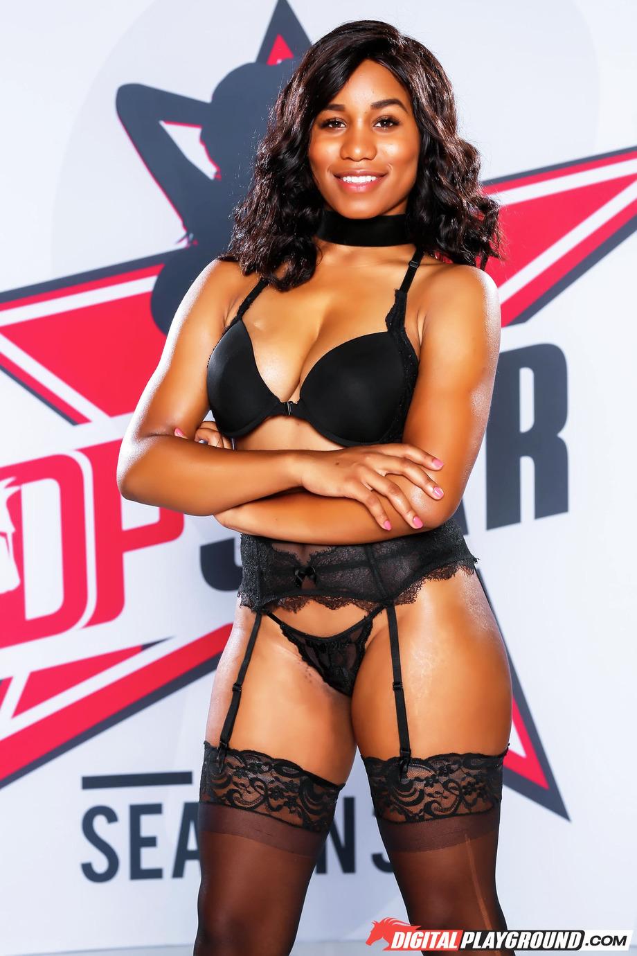 Sexy Ebony Jenna J Foxx 05