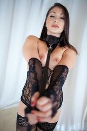 Lea Lexis-01