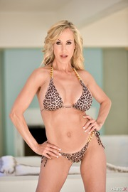Horny Milf Posing For You-06