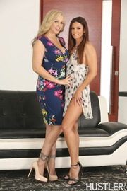 40 YO Milfs First Time Lesbian Lickers With India Summer-08