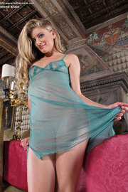 Wet Dress On A Hot Body-03