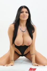 Sexy Busty Romi Rain-03