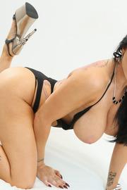 Sexy Busty Romi Rain-10