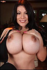 Latina Busty Pinup Girl -11