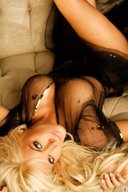 Crystal Harris Showing Off Her Gorgeous Body-14