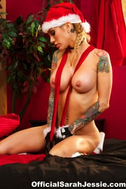 Sarah Jessie Fucks Nat Turnher On Christmas Eve-00