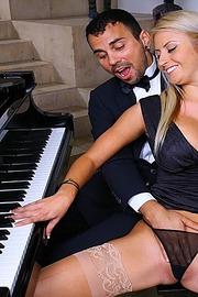 Chantelle Sky Piano Teacher-04