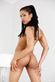 Kira Noir Dirty Ebony Slut Gives A Hot Blowjob-07