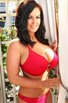 Sarah Randall Huge Boobs