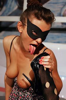 Kinky Sofia Fox