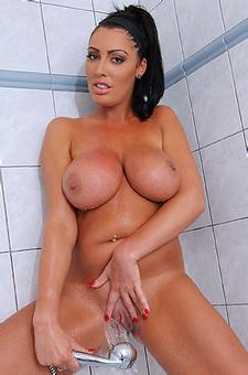Busty Ava Koxxx In The Shower