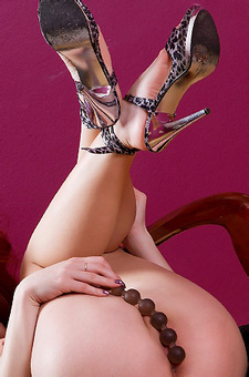 Redhead Michelle Pearl Sextoy