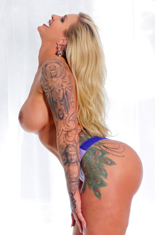 Tattooed Milf Ryan Conner