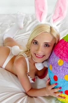 Petite Hardcore Bunny