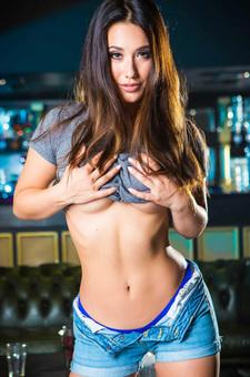 Eva Lovia Amazing Body