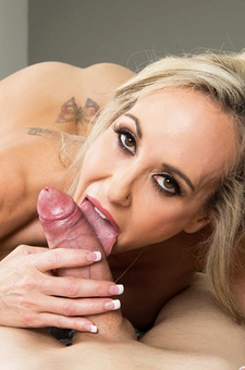 Brandi Love Stunning MILF Gets Drilled On The Couch