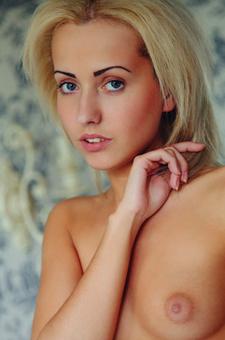 Skinny Blonde Teen Tooya Nude