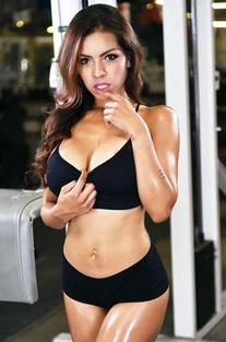 Yuri Luv Stripping In Gym