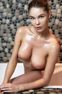 Loraine In Sexy Drops