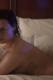 Demi Lovato Taking Cool Shower-09